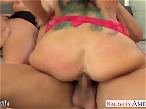 Wives Jessica Jaymes, Phoenix Marie and Romi Rain penetrate