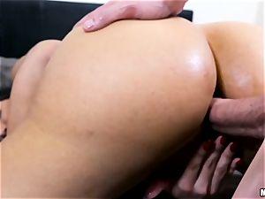 torrid cougar Mercedes Carrera gets a ass fucking penetration