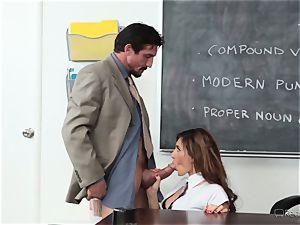 Addison Ryder gets her vagina boinked by her molten professor