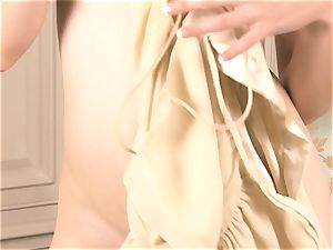 red warm Amarna Miller takes herself to ejaculation