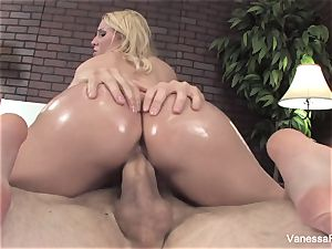 Her bouncy butt gets oiled up and then she gets pulverized
