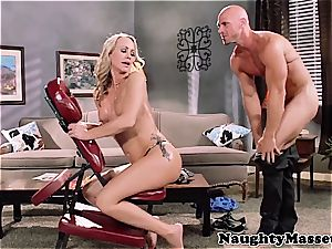 milf Simone massage-fucked by Johnny Sins