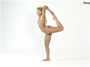 blonde teenager flexy female flashes her talents