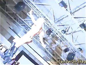 blondie huge-titted stunner dump on public stage