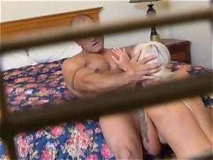 crazy Nina Elle nails her guy at the motel