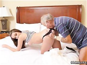 older mom hard-core shag first-ever time presenting Dukke