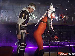 Alien hookup with Aria Alexander