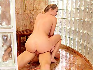 grind babe tearing up in the shower