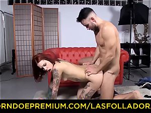 LAS FOLLADORAS - inked sandy-haired porn industry star torn up rock hard