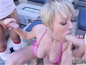 gonzo deep throat first-ever time She bj's both of them off simultaneously before going back