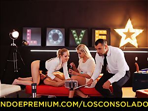LOS CONSOLADORES - ideal blondies 69 in gang romp