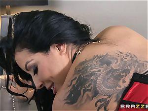 Phoenix Marie presents Kiara Mia to anal invasion