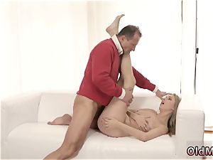 elderly duo having fuck-fest Stranger in a phat house knows how to super-steamy you up