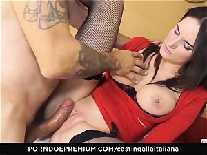 audition ALLA ITALIANA - huge-titted black-haired likes wet anal invasion
