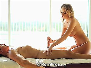 Alexis Adams uses her forms and twat