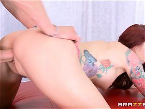 handsome milf Monique Alexander shows you how she likes to shag