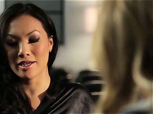 Asa Akira showcases Samantha Saint a fresh pasttime