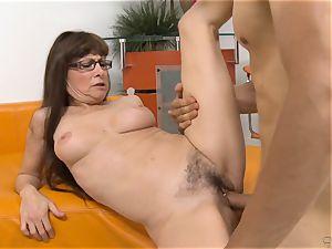 mother Alexandra Silk gets super-fucking-hot vengeance boinking