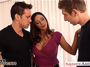 cougar Ariella Ferrera needs 2 penises to poke her properly