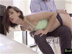 kissing cousins Get Both Their cootchies Creampied