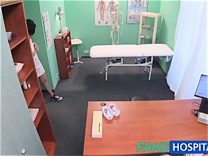 FakeHospital Minx deepthroats and plumbs to get a job