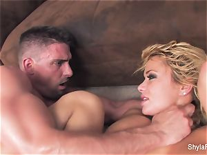 platinum-blonde mummy Shyla gets a gonzo poke and a facial