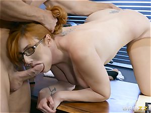 manmeat greedy Lauren Phillips nailed in her ginger cooter