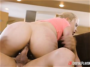 Chloe Coutures labia shouts out for sausage