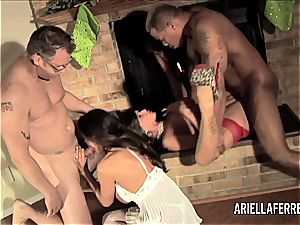 Things gets sizzling on Christmas with Ariella Ferrera