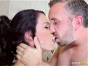 gorgeous Peta Jensen getting dicked in the shower