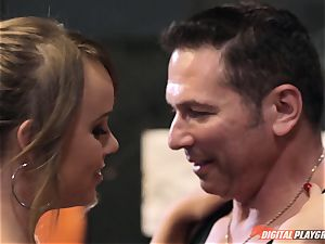 Alexis Adams cooch puckered in the boxing ring by huge sausage